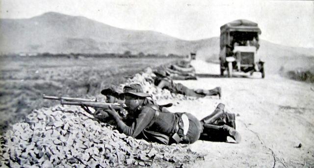 1921 Proteccion de convoy de ambulancias carretera de Nador a Tauima