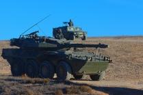 """De camino hacia """"Tres Poyetes"""". Al fondo, un Vehículo de Alta Movilidad Táctica (VAMTAC) de uno de los batallones de Infantería de la Brigada """"Galicia"""" VII. © Carlos Molero"""